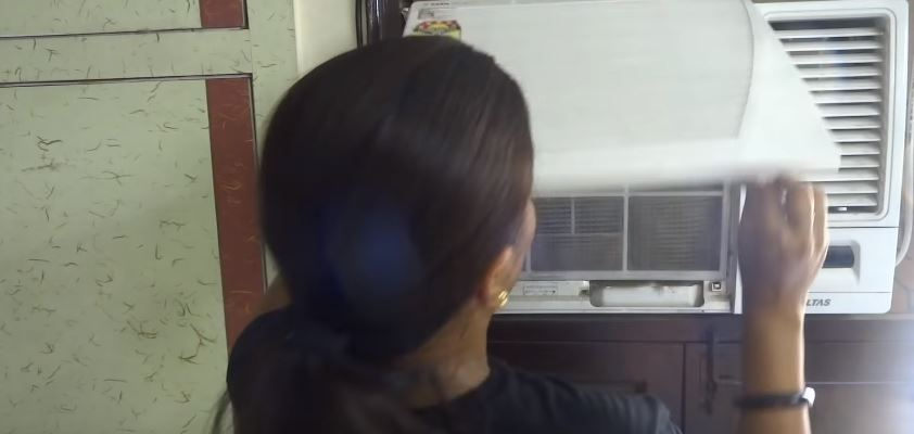 how to clean a window air conditioner without removing it.