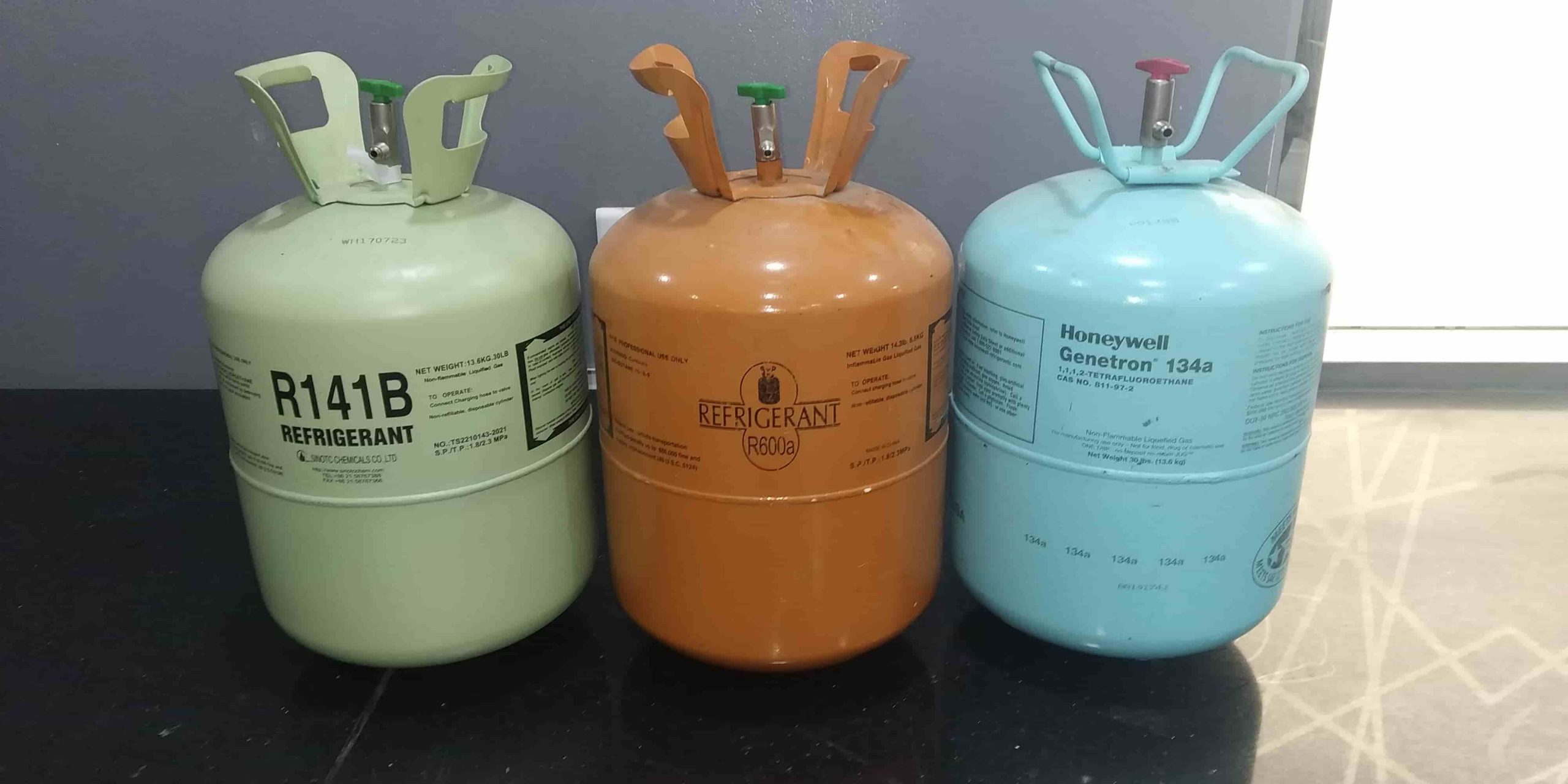Refrigerant Types, Difference & Properties R22, R32, R410a, R290.